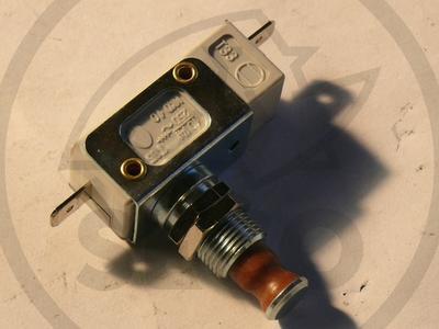 Mikrospínač naplnění koše